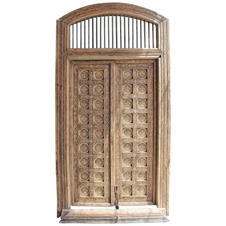 Puerta de Entrada Doble de Madera con Incrustaciones de Hueso, del Siglo XIX