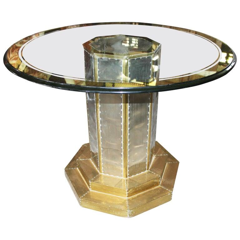 Mesa de Latón Dorado sobre Madera con Tapa de Cristal, de los Años 70