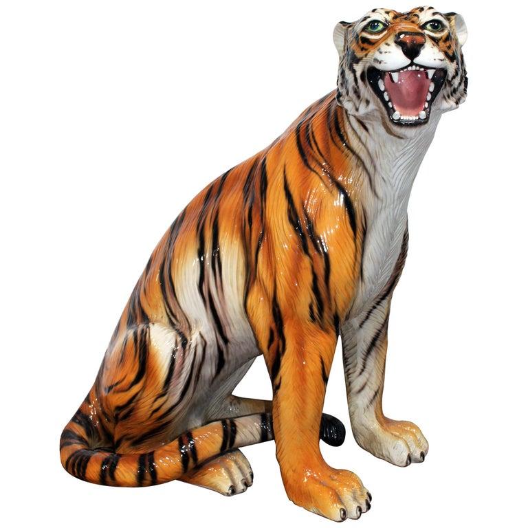 Escultura de Tigre de Cerámica Esmaltada y Pintada a Mano, de los Años 80