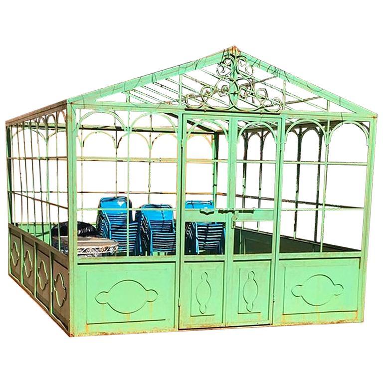 Invernadero de Hierro Forjado de Estilo Francés con Puerta y Ventanas en Color Verde