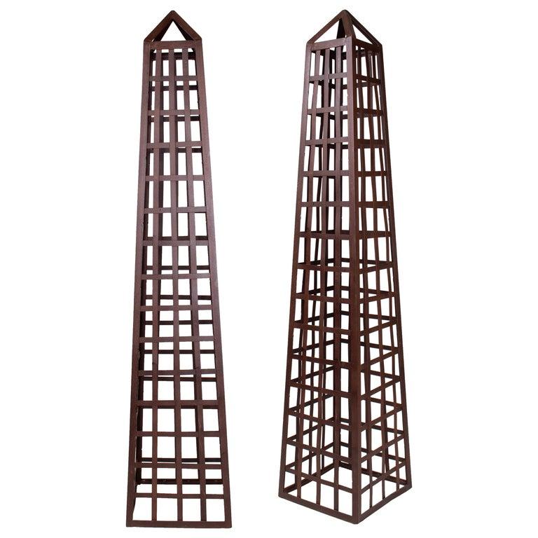 Pareja de Obeliscos de Hierro para Jardín