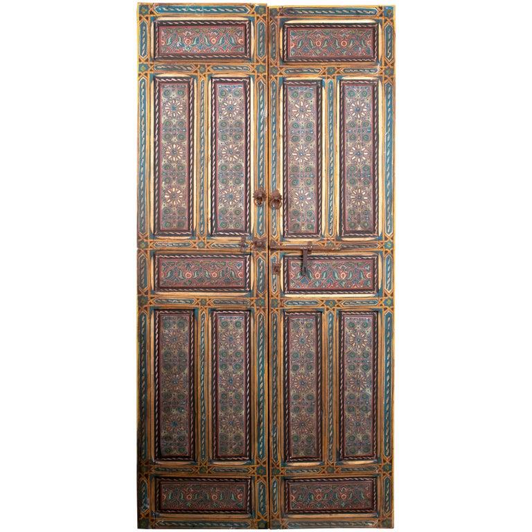 Puerta Marroquí de Dos Hojas Pintada a Mano con Cerradura de Hierro, de los Años 50