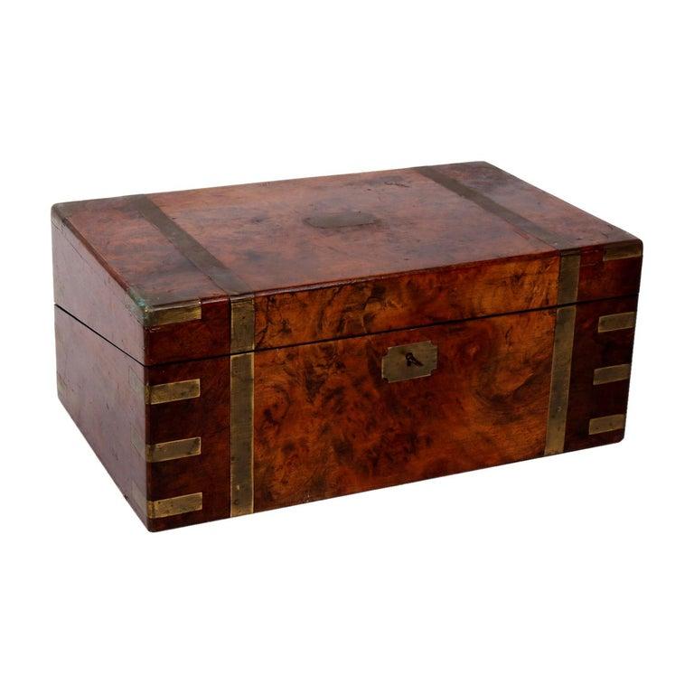 Caja de Oficina de Madera de Palo Santo Inglesa con Accesorios de Latón e Interior de Cuero