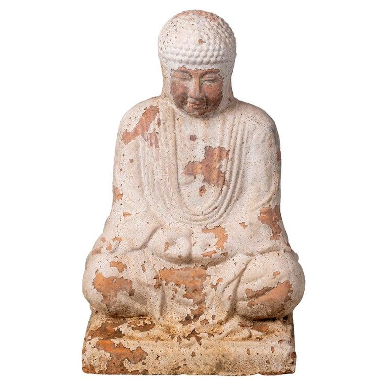 Escultura de Buda Sentado de Terracota con Acabado Blanco Envejecido