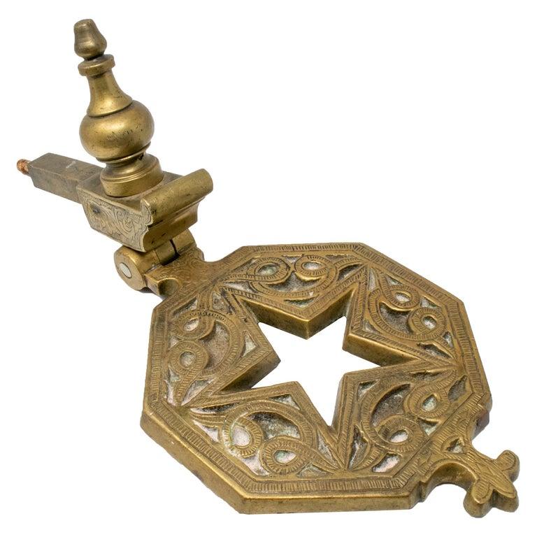 Llamador de Puerta de Bronce con Forma de Estrella, de Finales del Siglo XIX