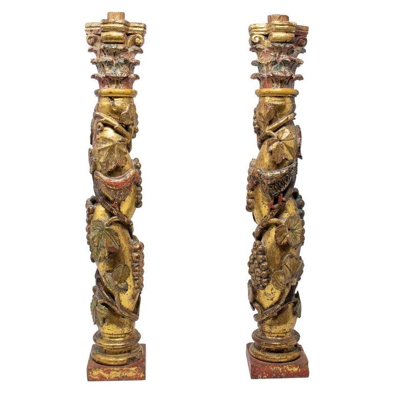 Pareja de Columnas Salomónicas Talladas en Madera Dorada, de la Escuela Castellana Española, del Siglo XIX