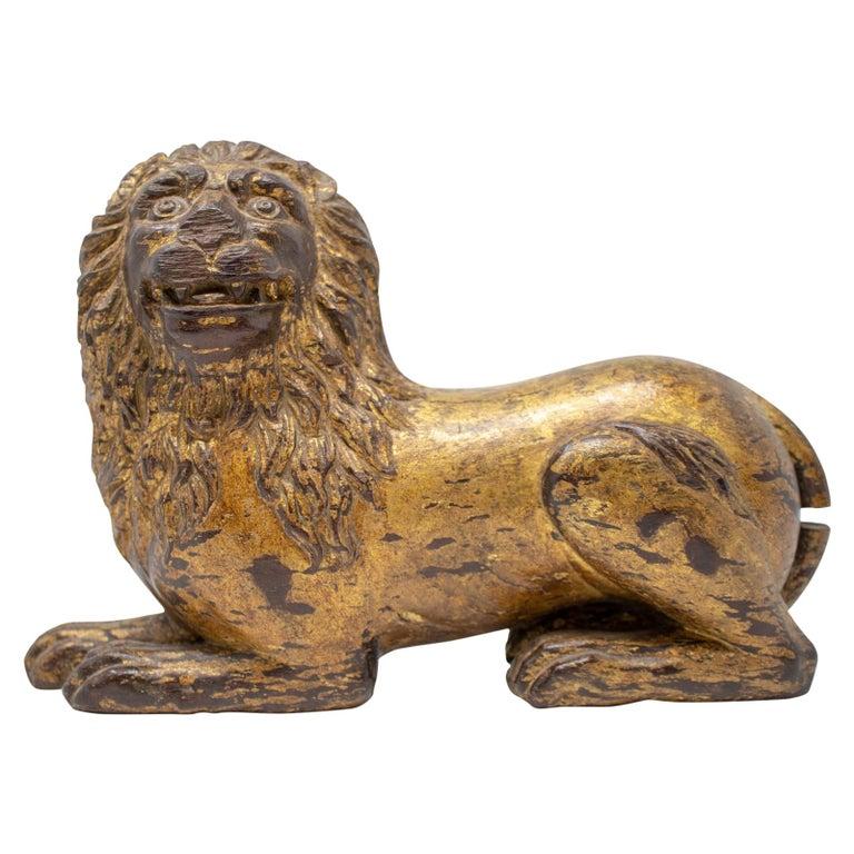 León Francés Tallado a Mano en Madera Dorada, del Siglo XIX