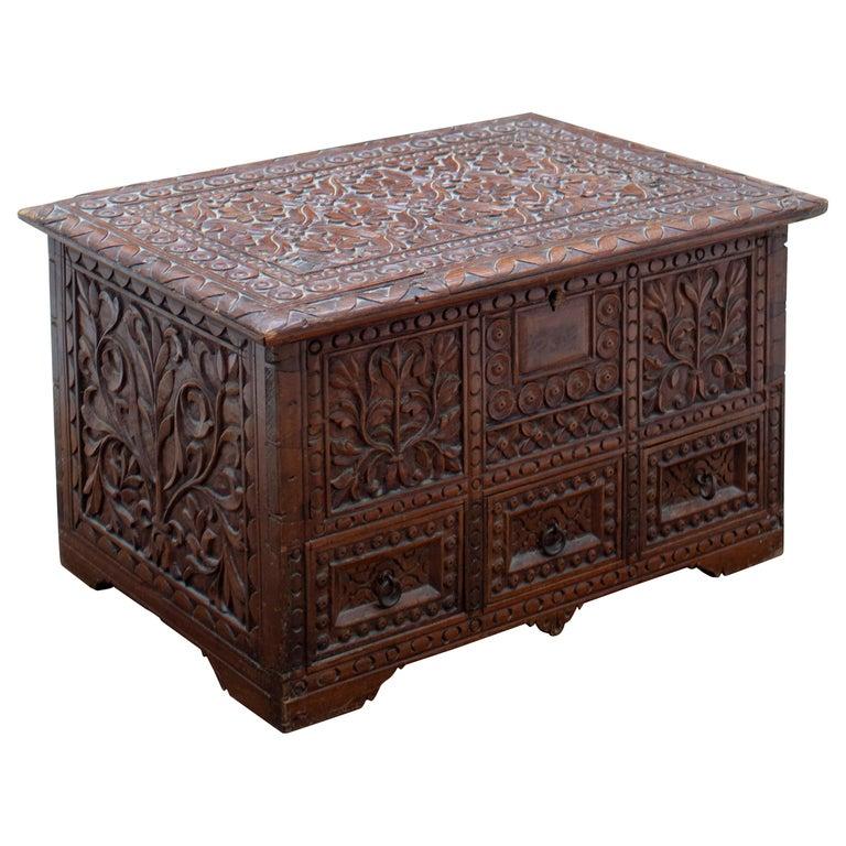 Caja de Madera Tropical Anglo-india Tallada a Mano, del Siglo XIX