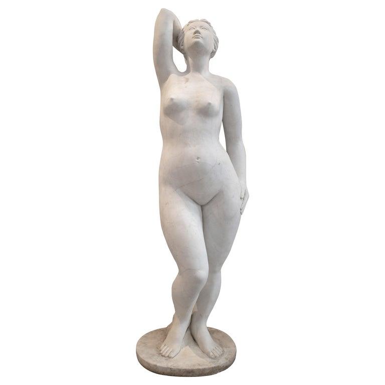 Escultura Francesa de Mármol Blanco Tallada a Mano, de los Años 50