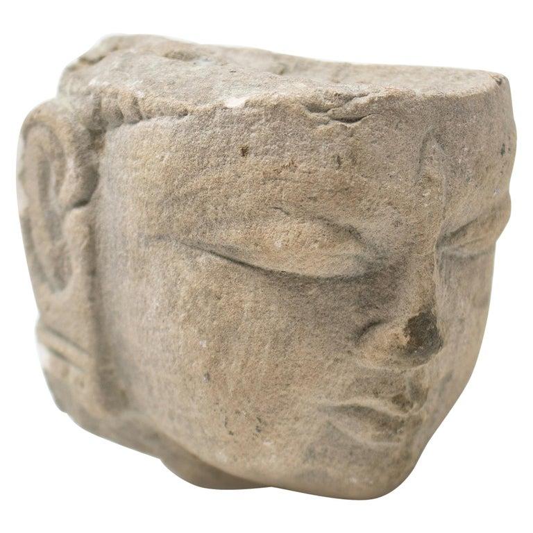 Escultura de Cabeza de Buda de Piedra Arenisca Tallada a Mano de los Templos de Amor Hindús de Khajuraho, de los Años 70
