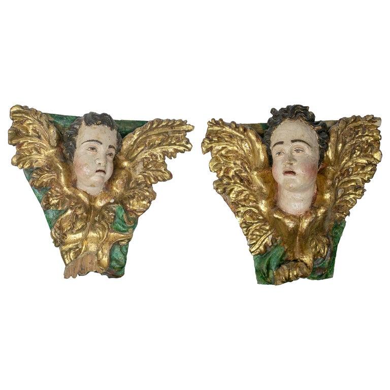 Pareja de Angelitos de Madera Dorada, del siglo XVIII