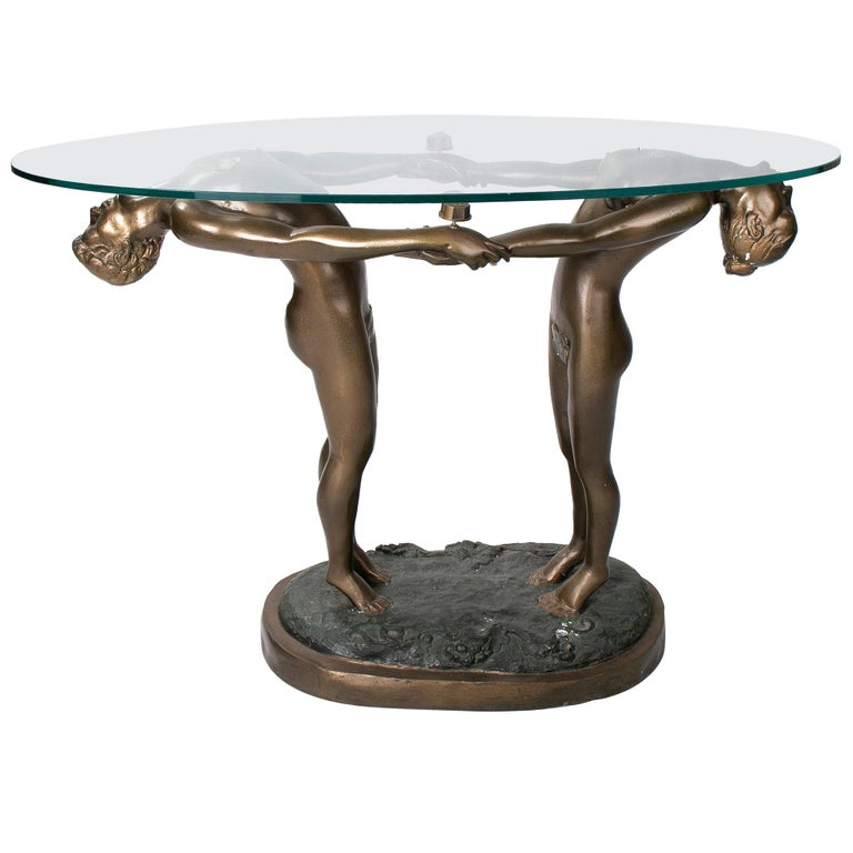 Mesa de Pedestal con Hombre y Mujer de Bronce con Tapa de Cristal, de los Años 80