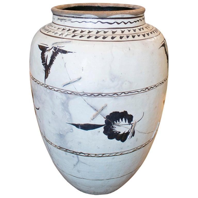 Jarrón de Cerámica Esmaltada China Pintado a Mano, del Siglo XIX
