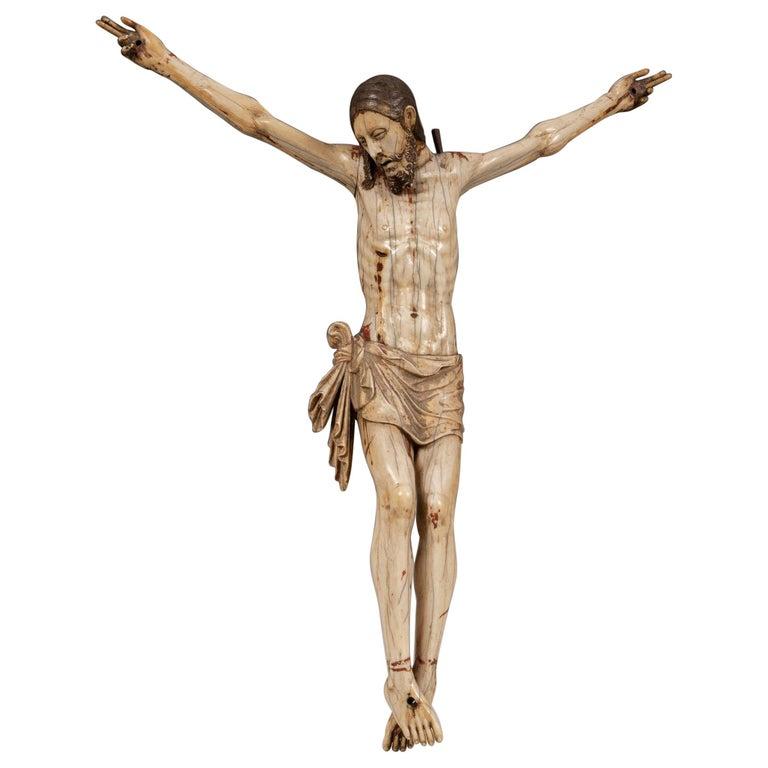 Crucifijo de Marfil Policromado Cingalés-Portugués, del Siglo XVI