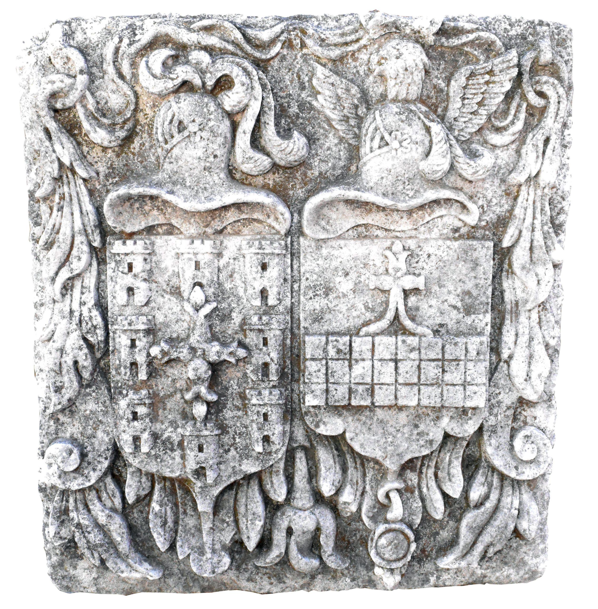 Escudo Español Tallado en Piedra, del Siglo XVIII