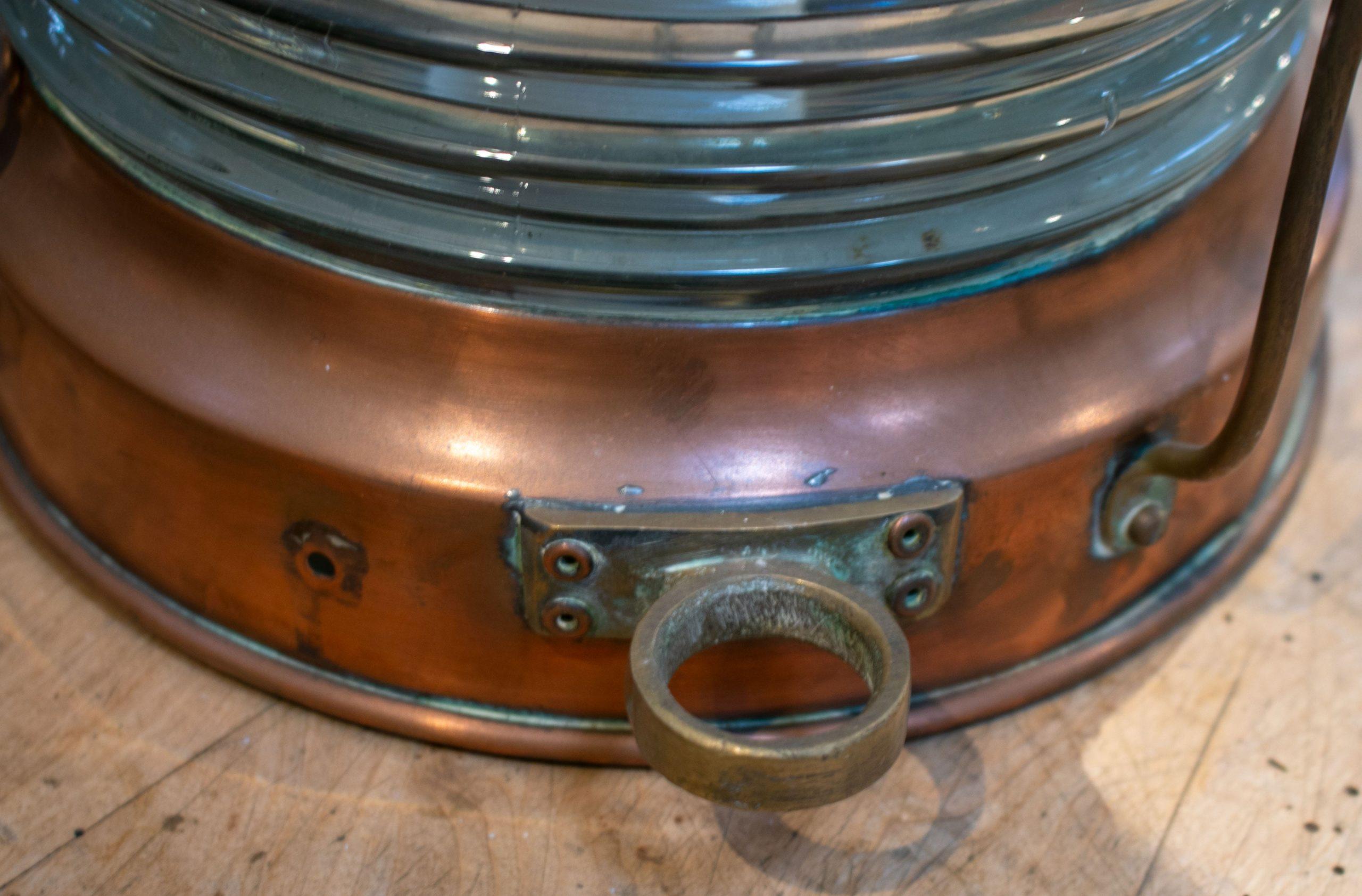 Lámpara de Mesa Inglesa de Bronce y Cristal con Pantalla, de los Años 50